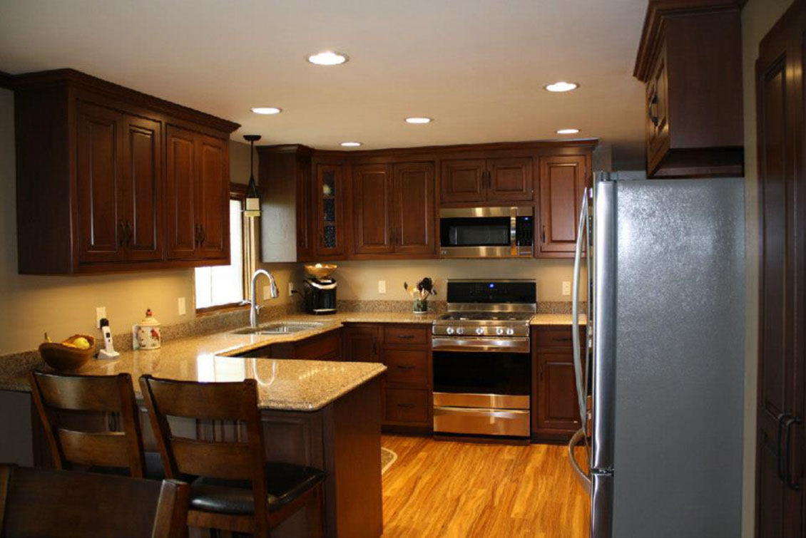 Kitchen Cabinets & Counter Tops - Distinctive Cabinets